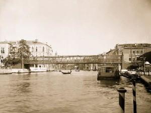 Ponte della Carità a di Alfred Neville a Venezia